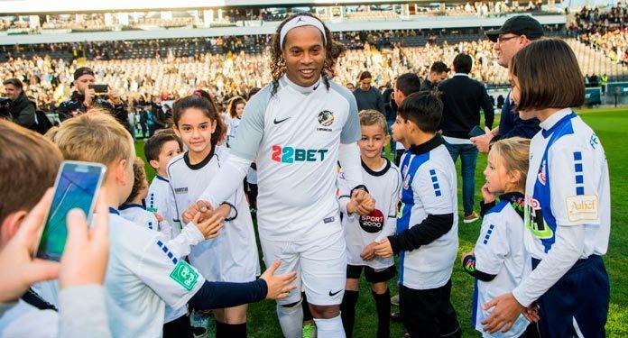 22BET-e-Ronaldinho-Gaúcho-Chegaram-ao-Quênia