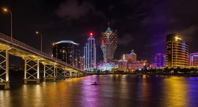 Cassinos de Macau Rebrem As Portas, Mas Sofrem com Pouco Movimento