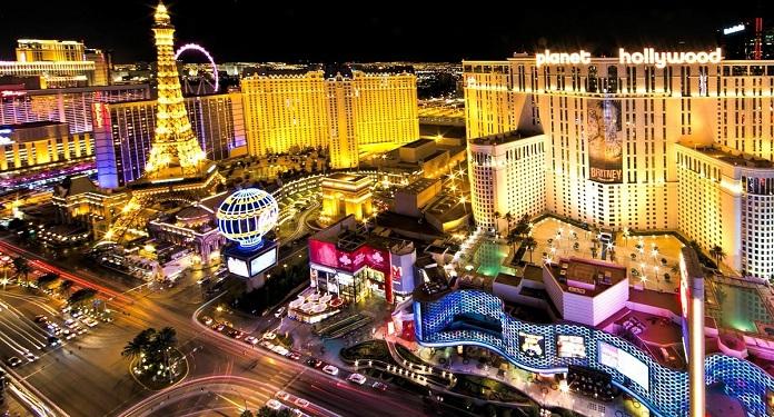 COVID-19: Festeiros durante virada de ano podem ter interrompido queda de casos em Las Vegas