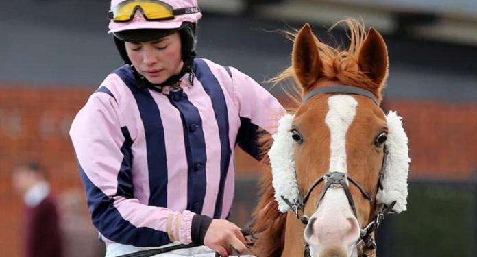 Horseracing.co.uk anuncia a jóquei Bryony Frost como embaixadora da marca