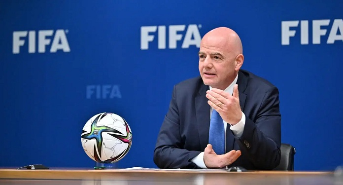 FIFA President speaks to the G20 on combating corruption in sport