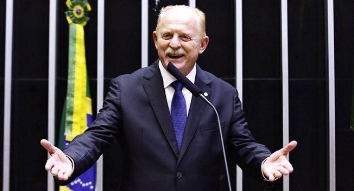Deputado-Vermelho-pede-a-reabertura-de-cassinos-para-estimular-setor-do-turismo-no-Brasil
