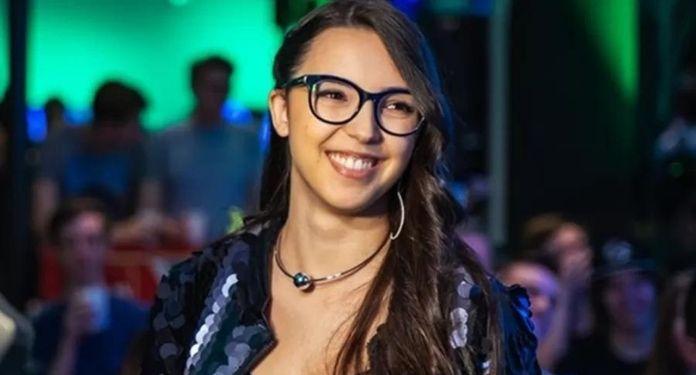 eSports-Awards-Ana-Xisde-e-a-primeira-brasileira-anunciada-no-juri
