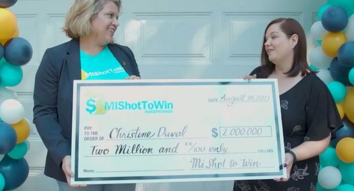Lottery-incentive-vaccination-in-the-USA-awards-woman-with-US-2-millions